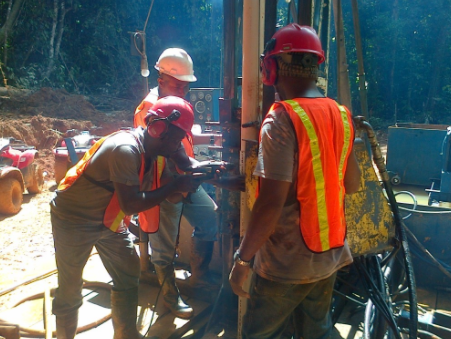 rig image w/workers